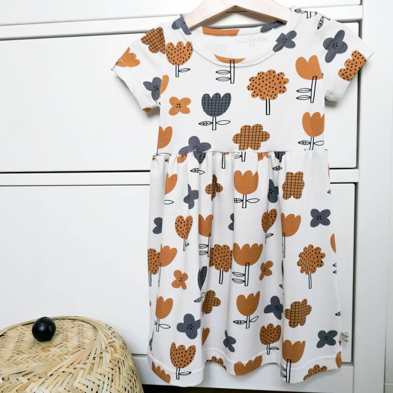 Kleid kurzarm Scandi-Flower